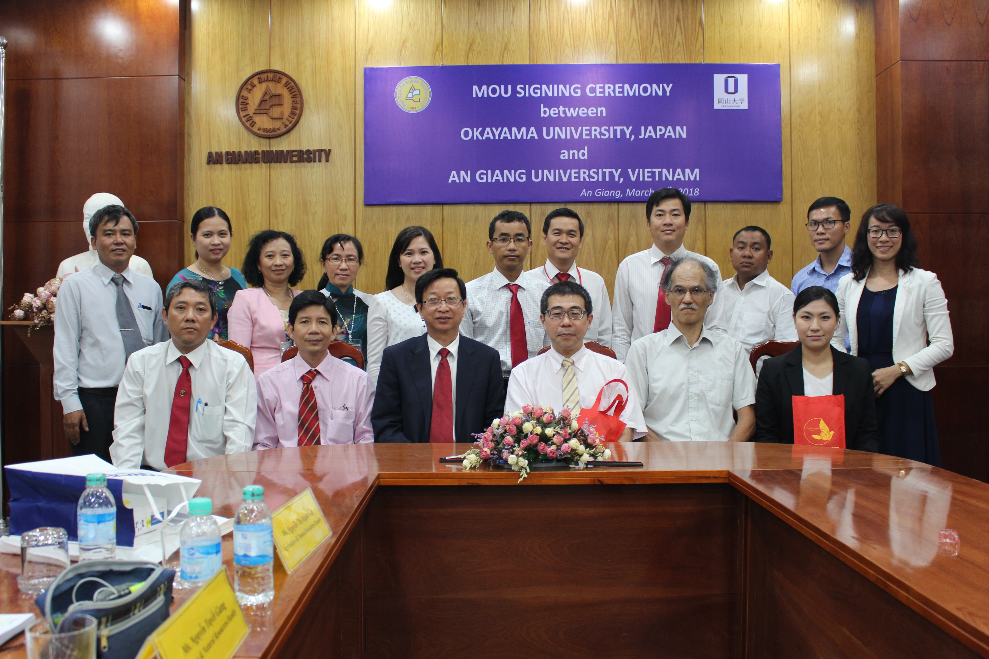 Delegates from An Giang University and Okayama University