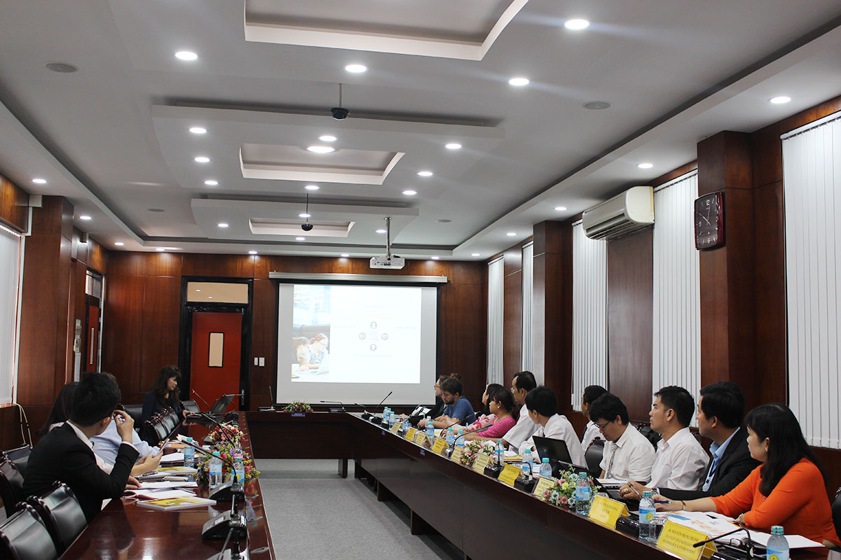 The meeting between An Giang University and Elsevier Publisher