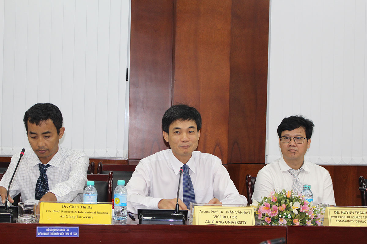 Assoc. Prof. Dr. Tran Van Dat – Vice Rector of An Giang University  requests future collaborations