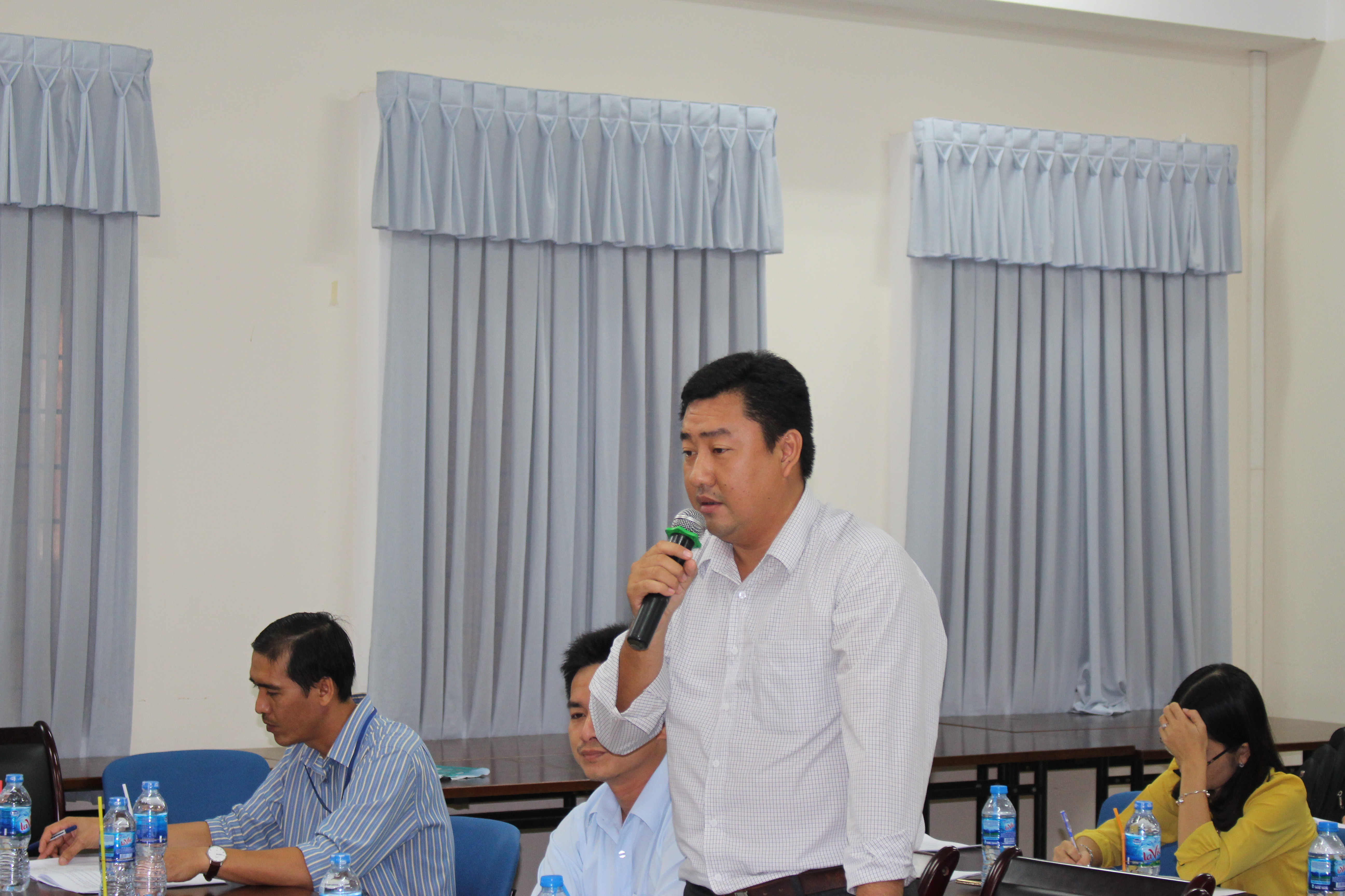 Mr. Tran Trong Nhan – Head of the Finance Office, An Giang IT Center shared his ideas at the workshop