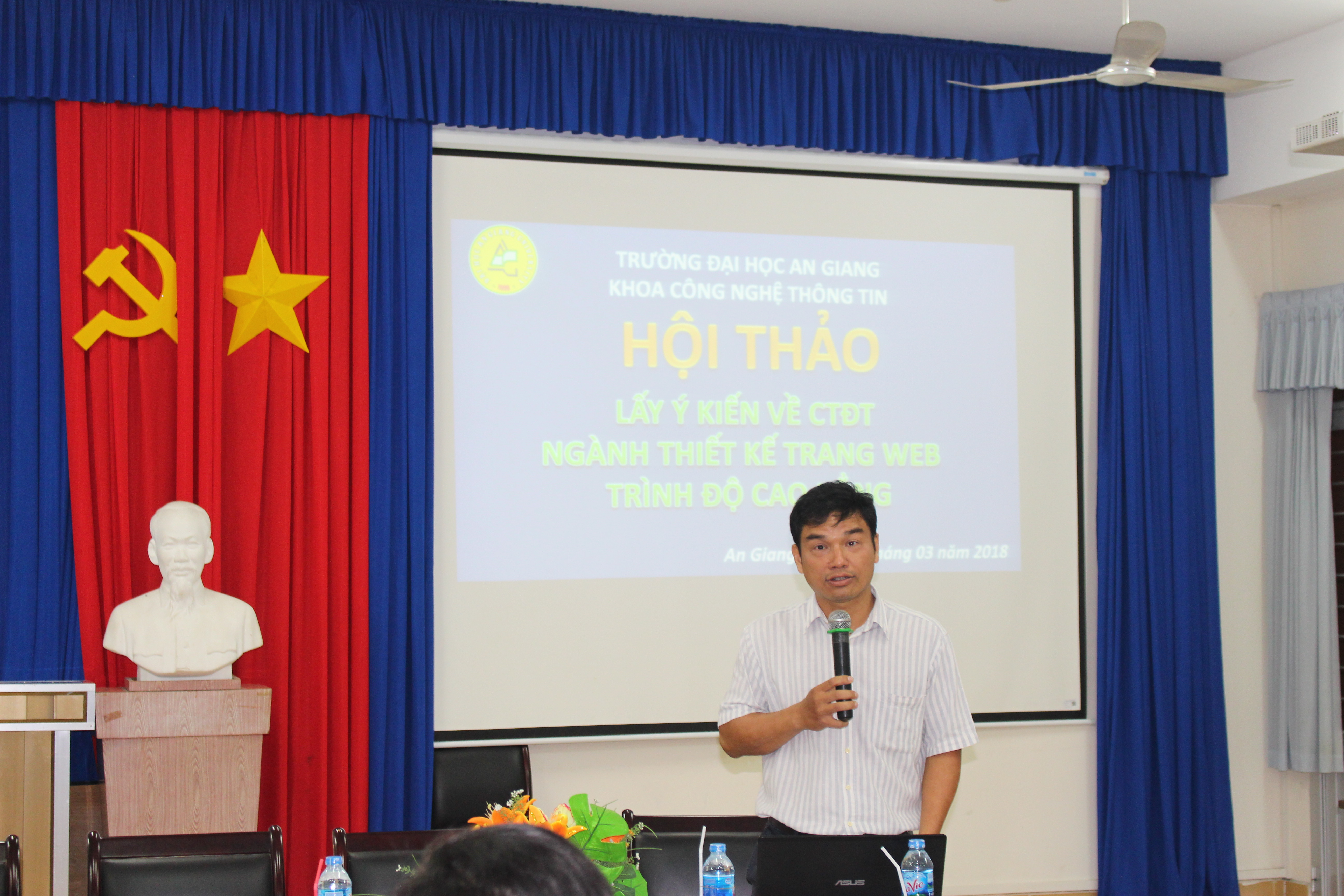 Dr. Doan Thanh Nghi – Dean of the Faculty of Information Technology shared his concluding remarks