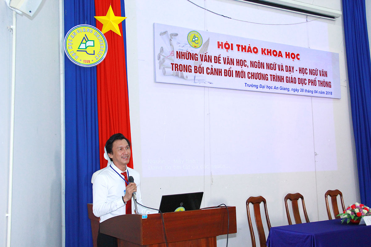 1.	Mr. Tran Tung Chinh – Head of Department of Literature presented the opening speech