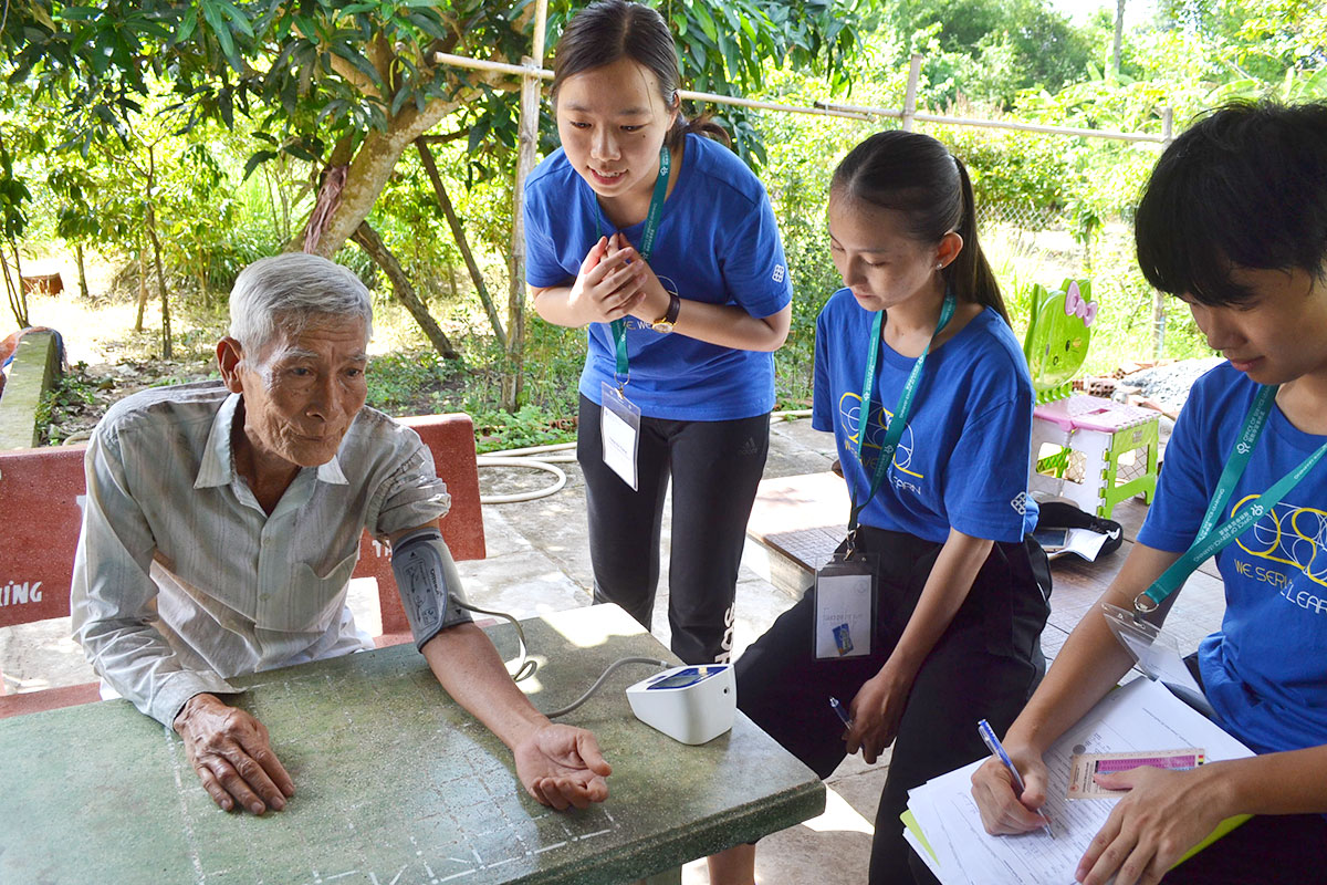 PolyU students provided healthcare service for the local people